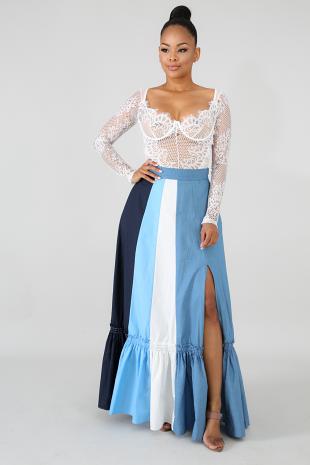Shallow Open Slit Skirt